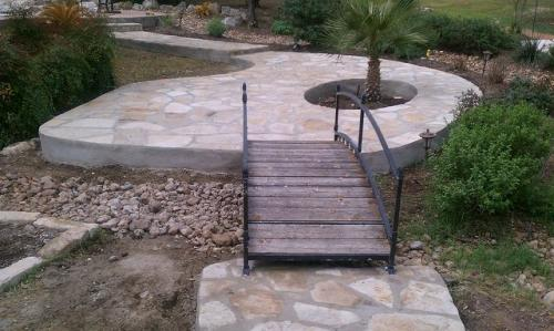 hardscape-design-hill-horticulture-bridge-pavors